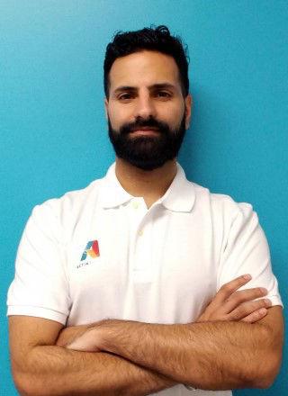 Michael Dharni B. Kin., MPT